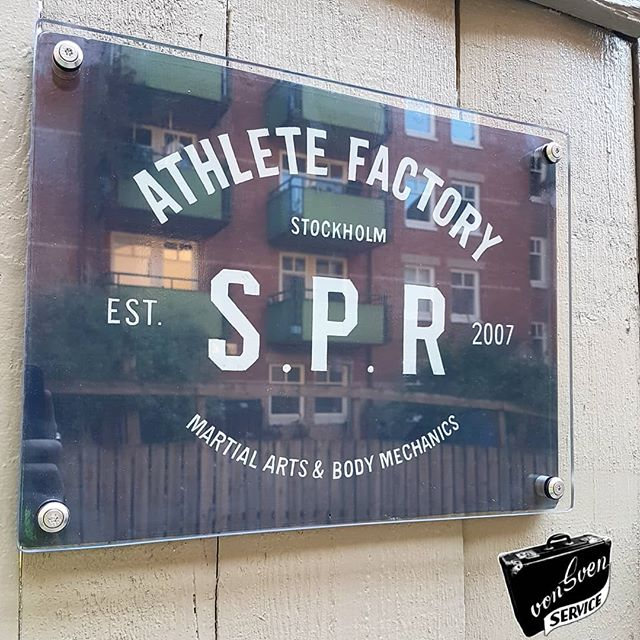 Always hand paint for SPR athlete factory 💪 fine artworks should always be protected by glass .. right??