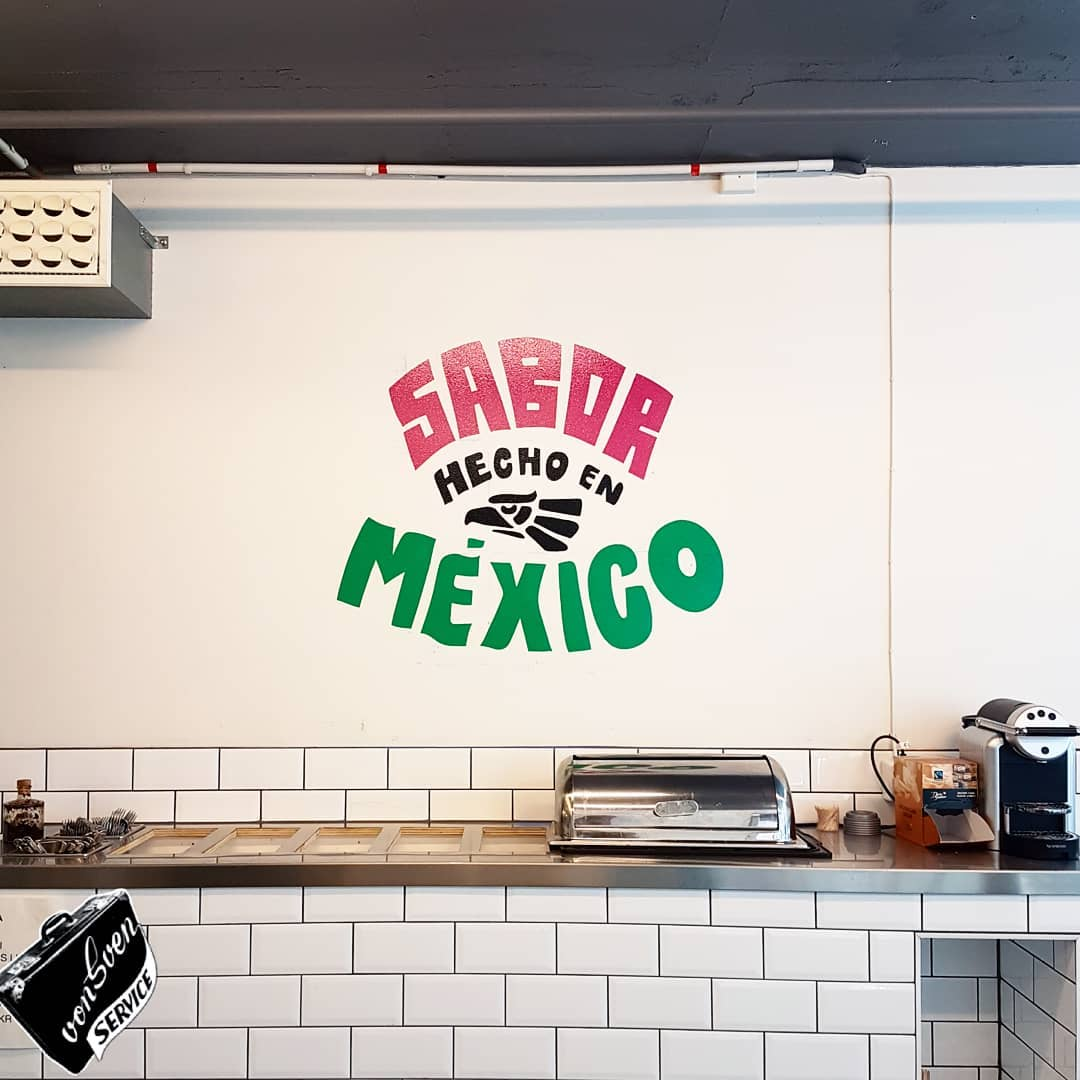 Got a design you would  like to turn wall graphic ? we paint it all!  thanks to the best tacos in town @laneta for this morning gig  letterin